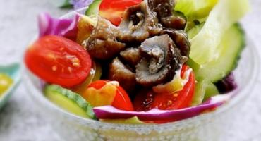 海参蔬菜沙拉
